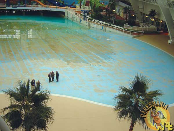 West Edmonton Mall Wave Pool Drained Parksmania