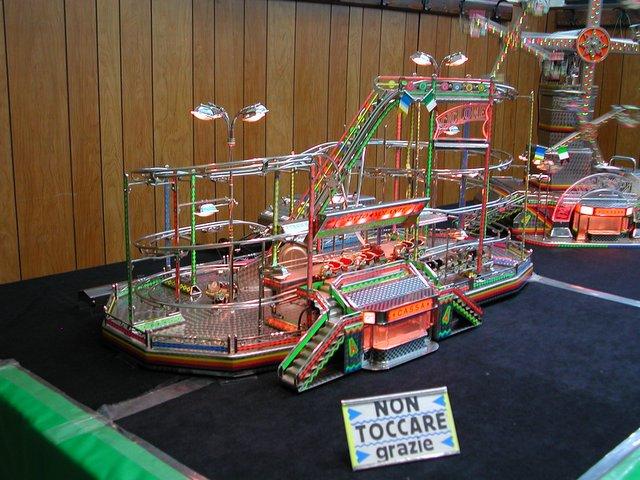Giostre di luna park in miniatura parksmania for Giostre luna park usate