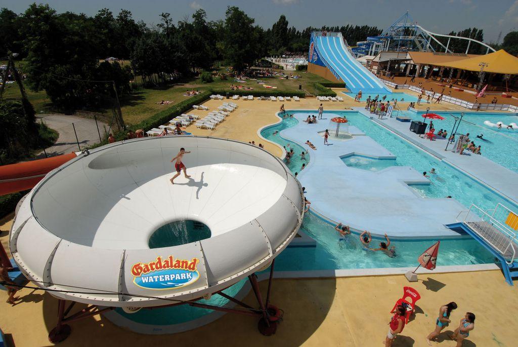 Gardaland waterpark ampliamento spiaggia per i bambini parksmania - Piscina acquatica park ...