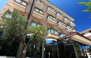 hotel-conti-rimini-3-stelle-giardino