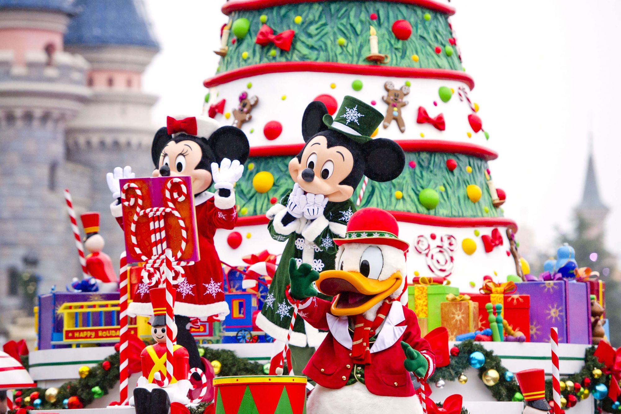 Addobbi Natalizi Disney.Disneyland Paris Inaugurato Il Magico Natale Disney Con I