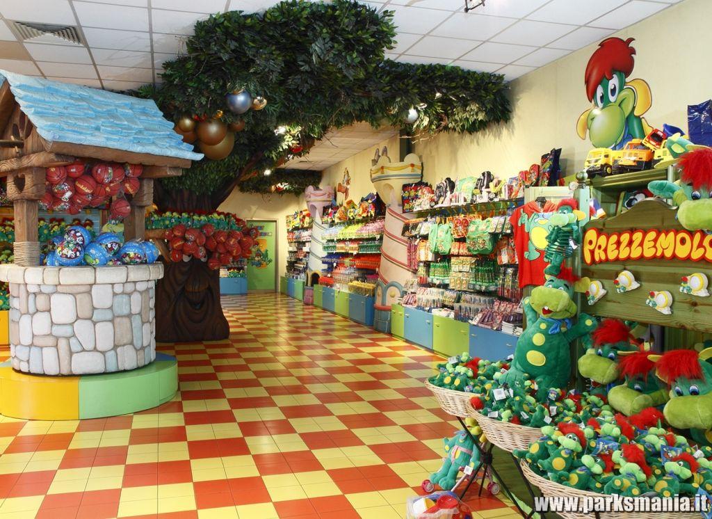 Il merchandise nei parchi di divertimento l 39 esperienza di for Piani casa negozio