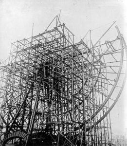 Ferris Wheel in costruzione